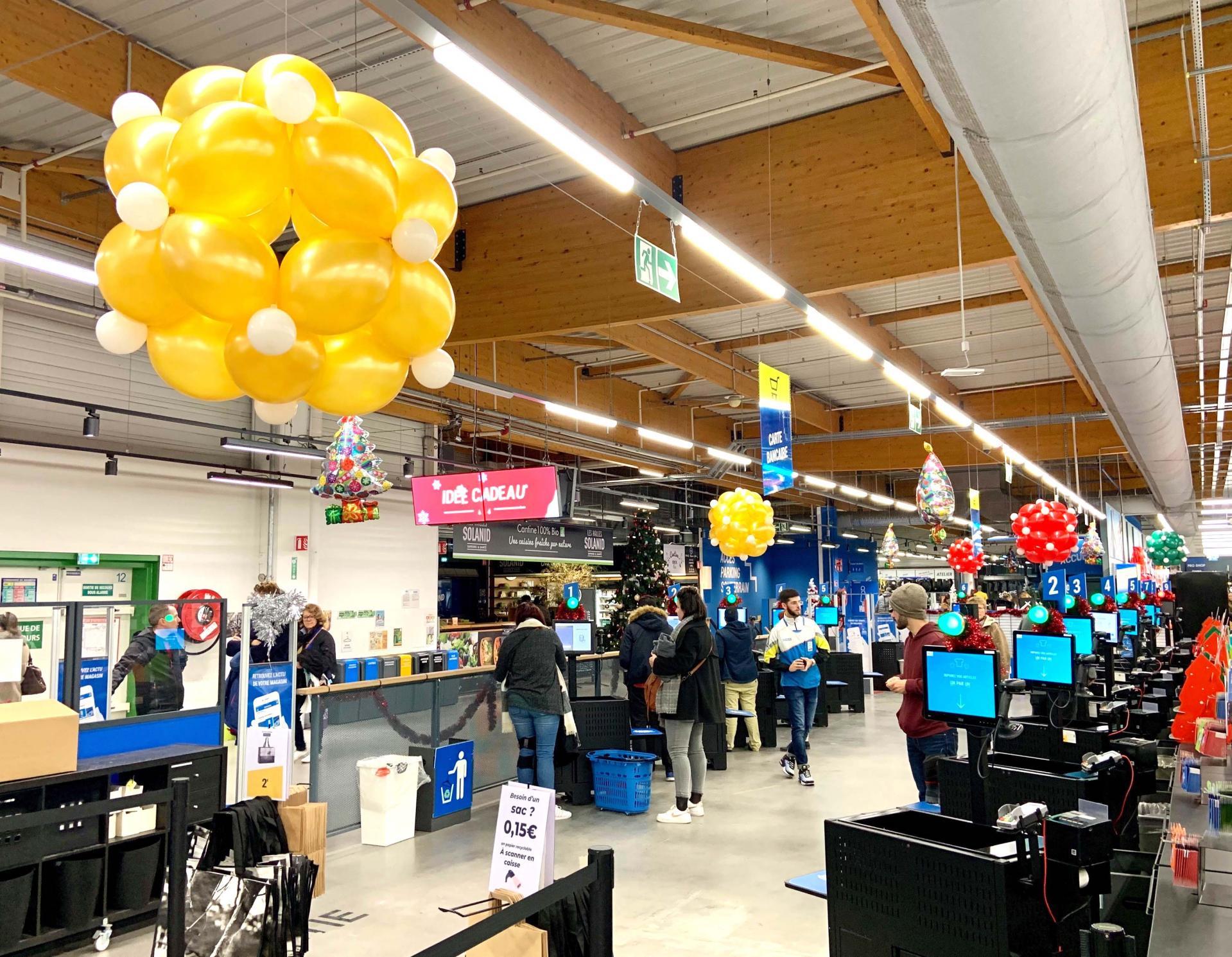 Boules de Ballons Noël traditionnel Décathlon Montpellier