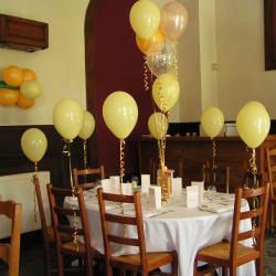 décoration en ballon pour la table des enfants