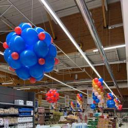 Déco magasin avec structure ballon