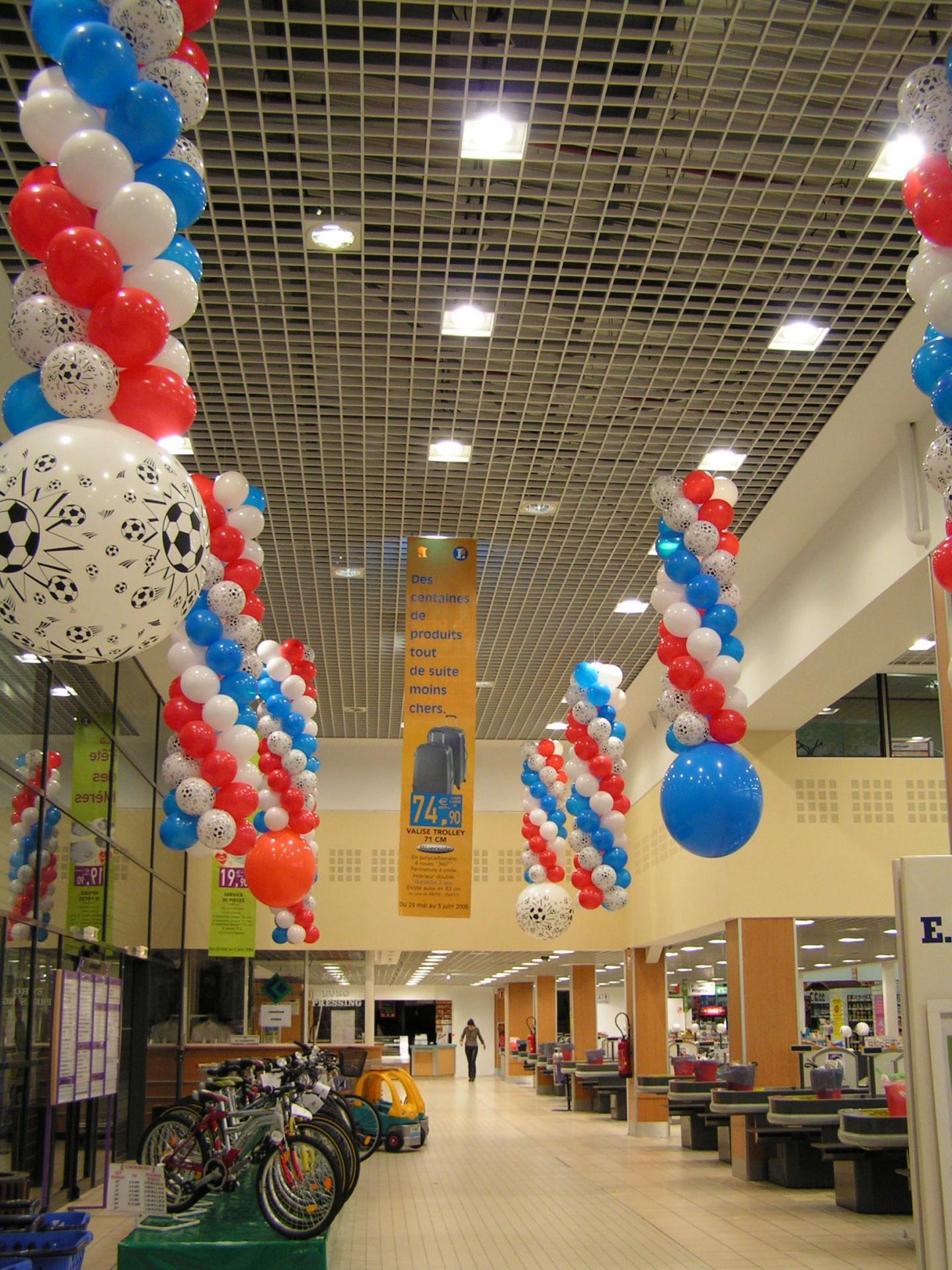 D coration ballons pour l 39 v nement coupe du monde foot for Decoration en france