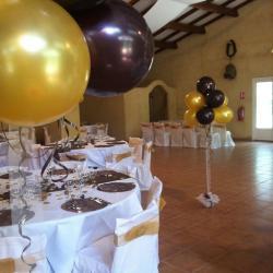 Décoration Ballons Mariage  ballons hélium et tulle au sol
