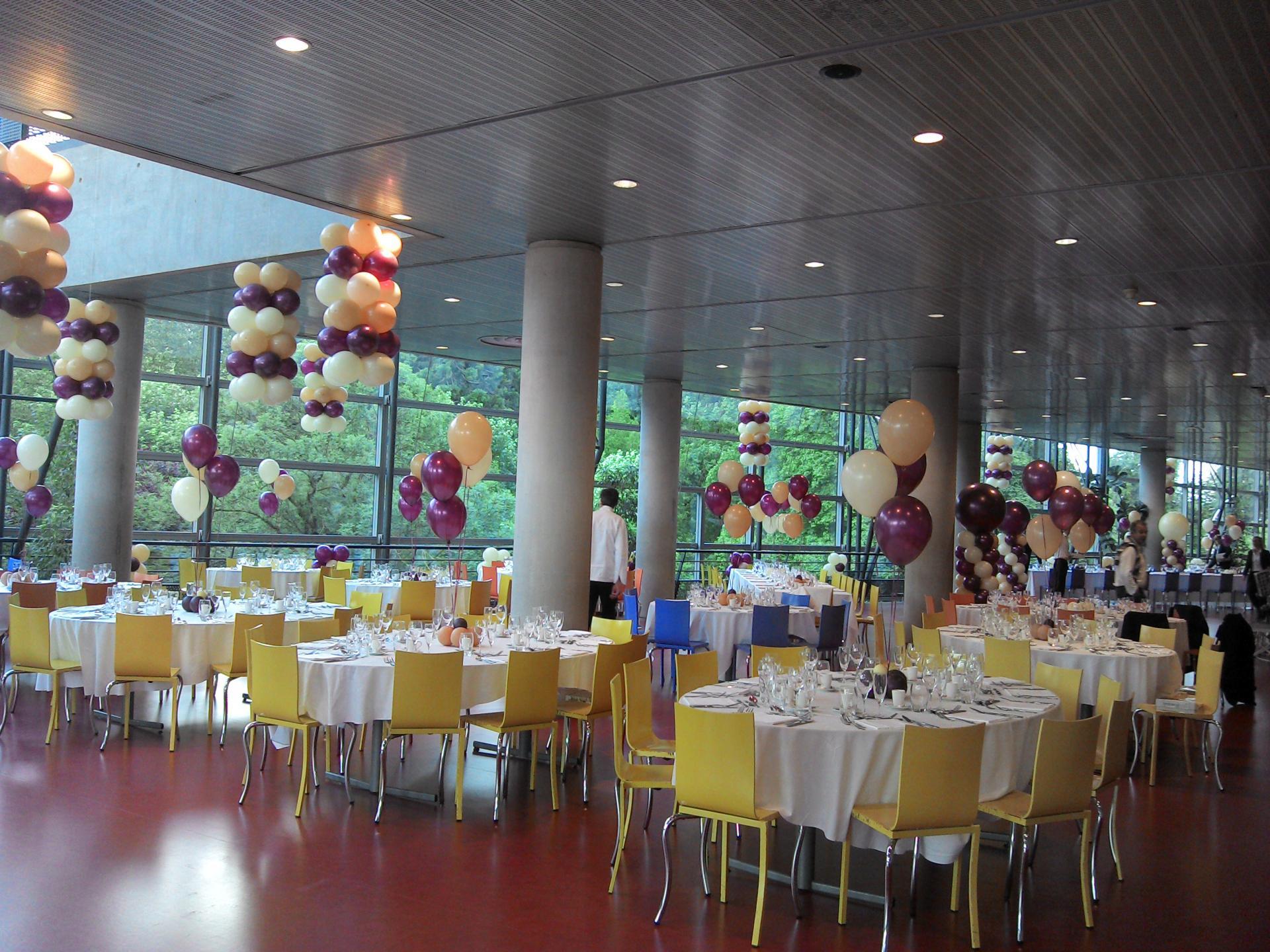 Décoration Ballons de salle ivoire, lin et bordeaux