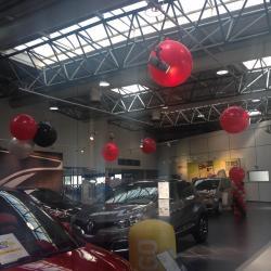 Cascade de Ballons Lancement du Kadjar concession Renault Nîmes