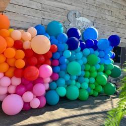 Mur avec ballon géant pour borne selfies