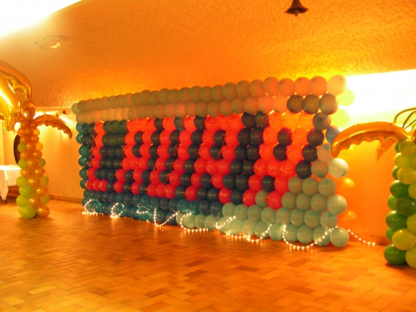Mur de ballons avec prénom