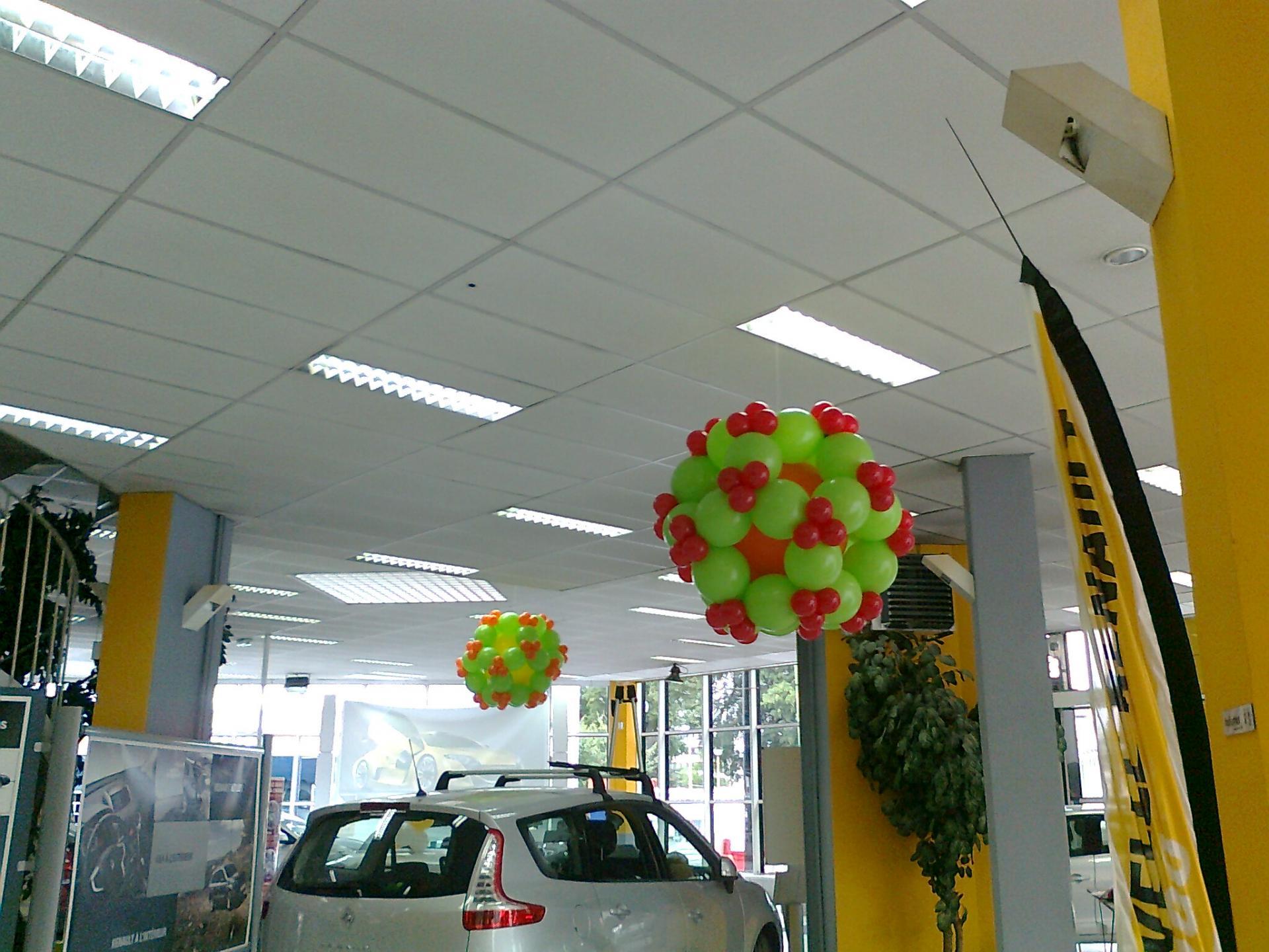 Décoration ballons concession Renault