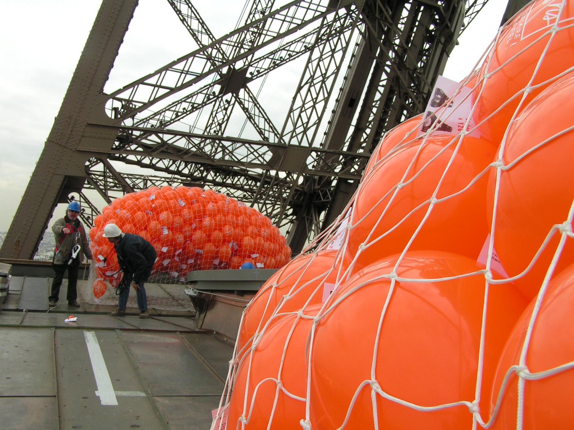Lacher de ballons, 120 Ans la Tour Eiffel