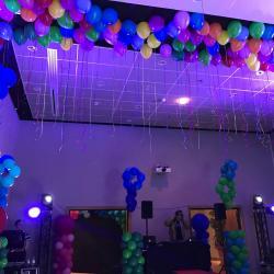 Plafond de ballons helium
