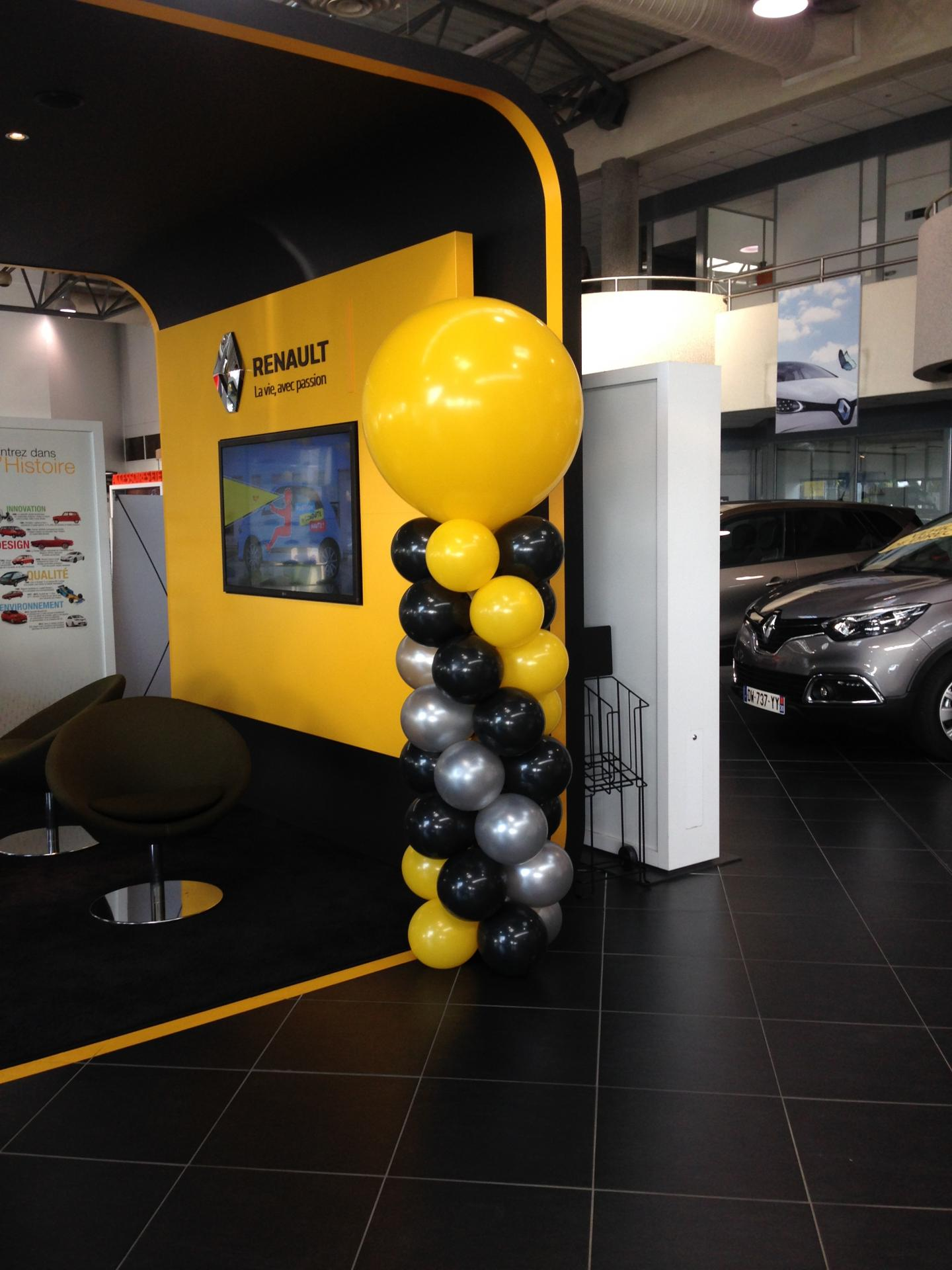 Colonne de ballons Renault