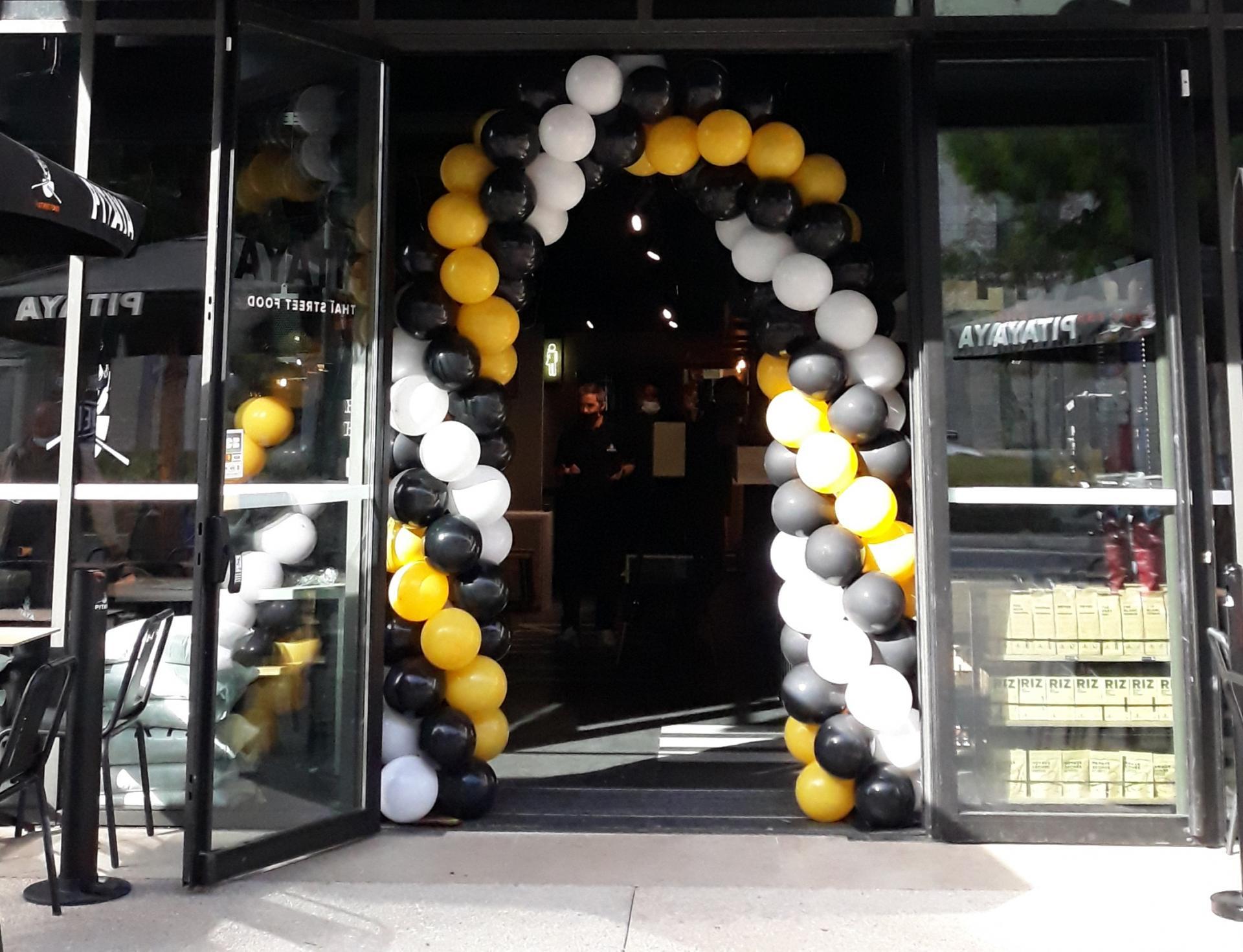 Arche ballon ouverture restaurant