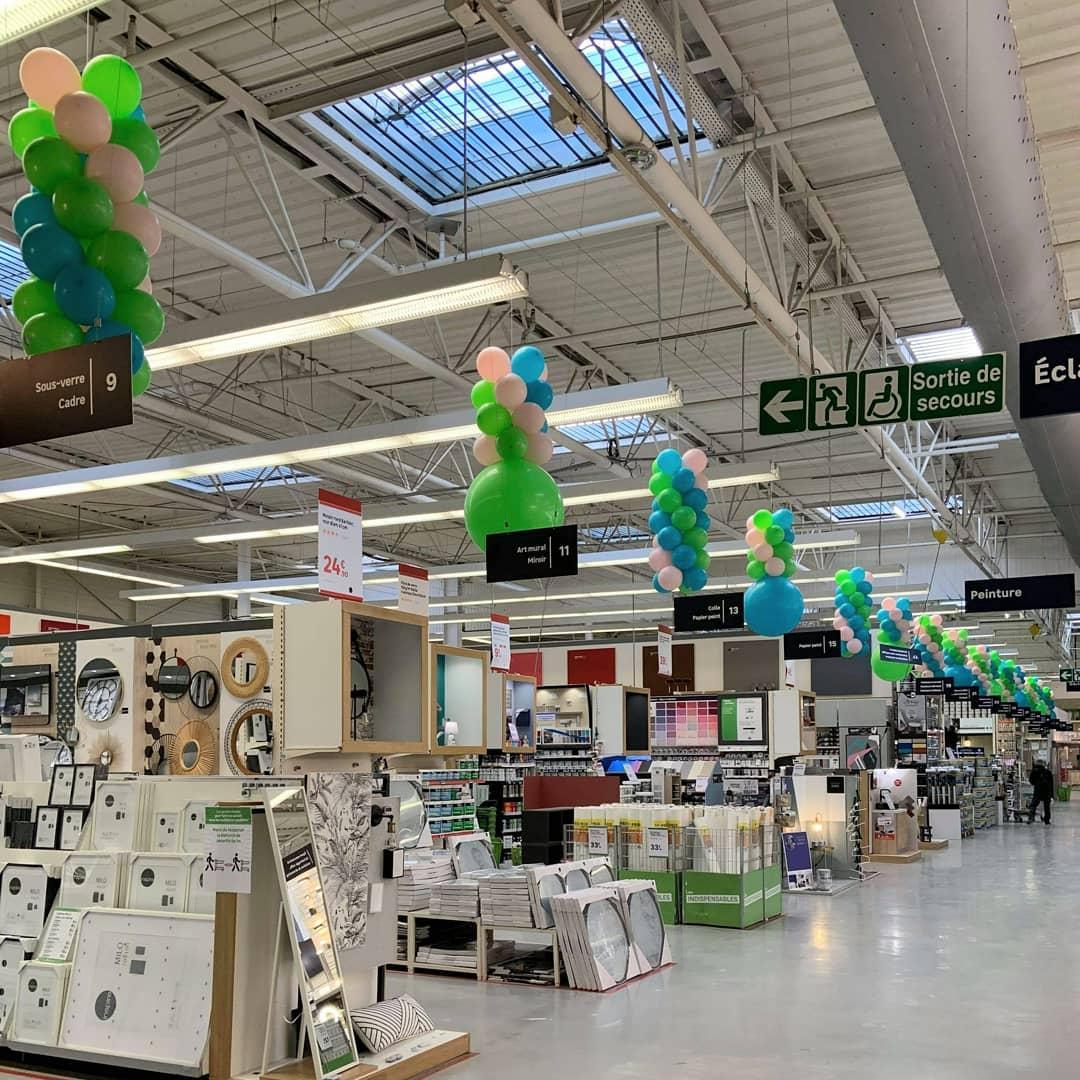 Décoration ballon caisses magasin