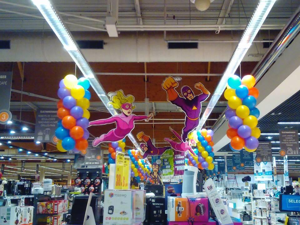 Ballons de décoration pour hypermarché